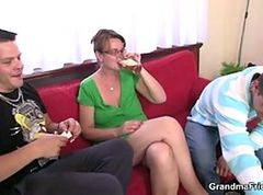 Threesome, Mature, Sister threesome